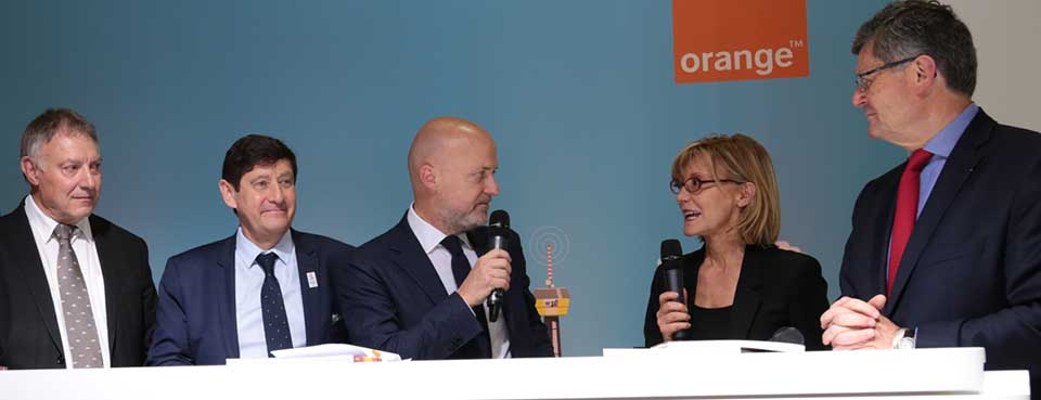 Salon des maires 2016 solidarity digital foundation orange