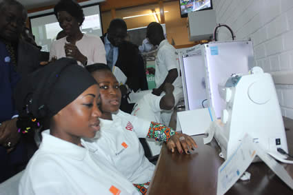 Solidarity FabLab in Cameroon, digital embroidery