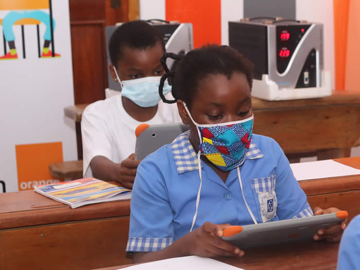 African school pupils talk about themselves on the web